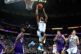 Sacramento Kings v New Orleans Hornets: Trevor Ariza and Donte Greene Photographic Print by Chris Graythen