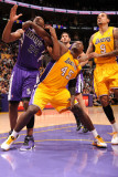 Sacramento Kings v Los Angeles Lakers: Derrick Caracter and Carl Landry Photographic Print by Andrew Bernstein