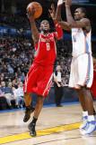 Houston Rockets v Oklahoma City Thunder: Jermaine Taylor Photographic Print by Bill Baptist