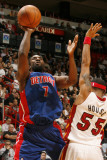 Detroit Pistons v Miami Heat: Ben Gordon and Eddie House Fotografie-Druck von Issac Baldizon