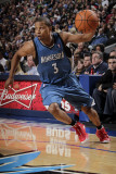 Minnesota Timberwolves v Dallas Mavericks: Sebastian Telfair Photographic Print by Glenn James