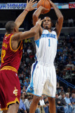 Cleveland Cavaliers v New Orleans Hornets: Trevor Ariza and Joey Graham Photographic Print by Layne Murdoch