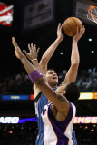 Minnesota Timberwolves v Phoenix Suns: Darko Milicic and Channing Frye Photographic Print by Christian Petersen