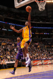 Sacramento Kings v Los Angeles Lakers: Lamar Odom Photographic Print by Andrew Bernstein