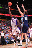 Memphis Grizzlies v Phoenix Suns: Jason Richardson and Marc Gasol Photographic Print by P.A. Molumby