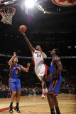 New York Knicks v Toronto Raptors: Sonny Weems and Amar'e Stoudemire Photographic Print by Ron Turenne