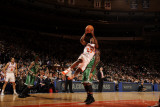 Boston Celtics v New York Knicks: Toney Douglas and Nate Robinson Photographic Print by Lou Capozzola