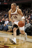 Milwaukee Bucks v Cleveland Cavaliers: Anthony Parker Fotografisk tryk af David Liam Kyle