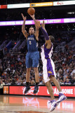 Minnesota Timberwolves v Phoenix Suns: Michael Beasley and Grant Hill Photographic Print by Christian Petersen