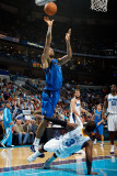 Dallas Mavericks v New Orleans Hornets: Tyson Chandler and Chris Paul Photographic Print by Chris Graythen
