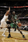 Boston Celtics v Cleveland Cavaliers: Kevin Garnett and Ryan Hollins Photographic Print by David Liam Kyle