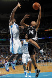 San Antonio Spurs v New Orleans Hornets: Richard Jefferson and Emeka Okafor Photographic Print by Layne Murdoch