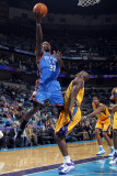 Oklahoma City Thunder v New Orleans Hornets: Jeff Green and Emeka Okafor Photographic Print by Layne Murdoch