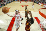 Cleveland Cavaliers v Houston Rockets: Jawad Williams and Brad Miller Photographic Print by Bill Baptist