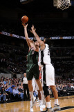 Milwaukee Bucks v San Antonio Spurs: Andrew Bogut and Tim Duncan Photographic Print by D. Clarke Evans