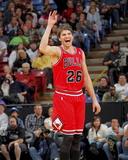 Chicago Bulls v Sacramento Kings: Kyle Korver Fotografisk trykk av Rocky Widner