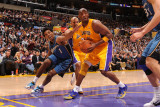 Washington Wizards v Los Angeles Lakers: Kobe Bryant and Nick Young Photographic Print by Noah Graham