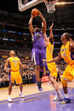Sacramento Kings v Los Angeles Lakers: Carl Landry Photographic Print by Andrew Bernstein
