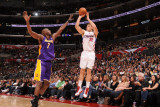 Los Angeles Lakers v Los Angeles Clippers: Blake Griffin and Lamar Odom Photographic Print by Noah Graham