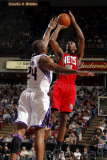 New Jersey Nets v Sacramento Kings: Travis Outlaw and Carl Landry Photographic Print by Don Smith