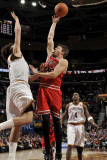 Chicago Bulls v Cleveland Cavaliers: Kyle Korver and Anderson Varejao Photographic Print by David Liam Kyle