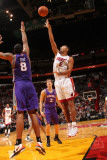 Phoenix Suns v Miami Heat: Juwan Howard Photographic Print by Victor Baldizon