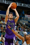 Sacramento Kings v New Orleans Hornets: Beno Udrih and Willie Green Photographic Print by Chris Graythen