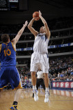 Golden State Warriors v Dallas Mavericks: Dirk Nowitzki and David Lee Photographic Print by Glenn James