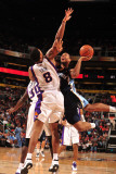 Memphis Grizzlies v Phoenix Suns: Xavier Henry, Earl Barron and Channing Frye Photographic Print by Barry Gossage
