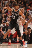 San Antonio Spurs v Los Angeles Clippers: Tim Duncan and Eric Gordon Photographic Print by Andrew Bernstein