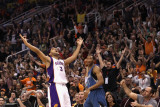 Minnesota Timberwolves v Phoenix Suns: Jared Dudley and Wesley Johnson Photographic Print by Christian Petersen