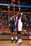 Memphis Grizzlies v Phoenix Suns: Zach Randolph and Earl Barron Photographic Print by Barry Gossage