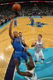 Dallas Mavericks v New Orleans Hornets: Shawn Marion and Emeka Okafor Photographic Print by Chris Graythen