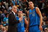 Dallas Mavericks v New Orleans Hornets: Rick Carlisle, Jose Barea and Dirk Nowitzki Lmina fotogrfica por Chris Graythen