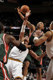 Milwaukee Bucks v Cleveland Cavaliers: Anderson Varejao and Drew Gooden Photographic Print by David Liam Kyle