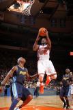 Denver Nuggets v New York Knicks: Raymond Felton and Al Harrington Photographic Print by Nathaniel S. Butler