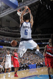 Portland Trail Blazers v Dallas Mavericks: Tyson Chandler and Brandon Roy Photographic Print by Glenn James