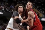 Philadelphia 76ers v Cleveland Cavaliers: Anderson Varejao and Darius Songaila Photographic Print by David Liam Kyle