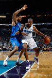 Dallas Mavericks v New Orleans Hornets: David West and Tyson Chandler Photographic Print by Chris Graythen