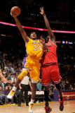 Chicago Bulls v Los Angeles Lakers: Kobe Bryant and Luol Deng Photographic Print by Noah Graham