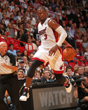 Phoenix Suns v Miami Heat: Dwyane Wade Photographic Print by Victor Baldizon