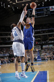 Golden State Warriors v Dallas Mavericks: David Lee and Shawn Marion Photographic Print by Glenn James