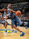 Charlotte Bobcats v Memphis Grizzlies: Tyrus Thomas and Darrell Arthur Photographic Print by Joe Murphy