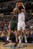 Milwaukee Bucks v Dallas Mavericks: Dirk Nowitzki and Drew Gooden Photographic Print by Danny Bollinger