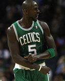 Boston Celtics v Charlotte Bobcats: Kevin Garnett Photographic Print by  Streeter