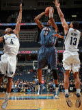 Charlotte Bobcats v Memphis Grizzlies: Tyrus Thomas, Sam Young and Xavier Henry Photographic Print by Joe Murphy