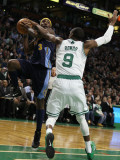 Denver Nuggets v Boston Celtics: Ty Lawson and Rajon Rondo Photographic Print by  Elsa
