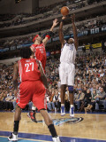 Houston Rockets v Dallas Mavericks: Brad Miller and Brendan Haywood Photographic Print by Danny Bollinger