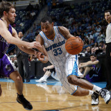 Sacramento Kings v New Orleans Hornets: Willie Green and Beno Udrih Photographic Print by Layne Murdoch