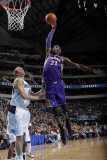Phoenix Suns v Dallas Mavericks: Hakim Warrick and Dirk Nowitzki Photographic Print by Glenn James
